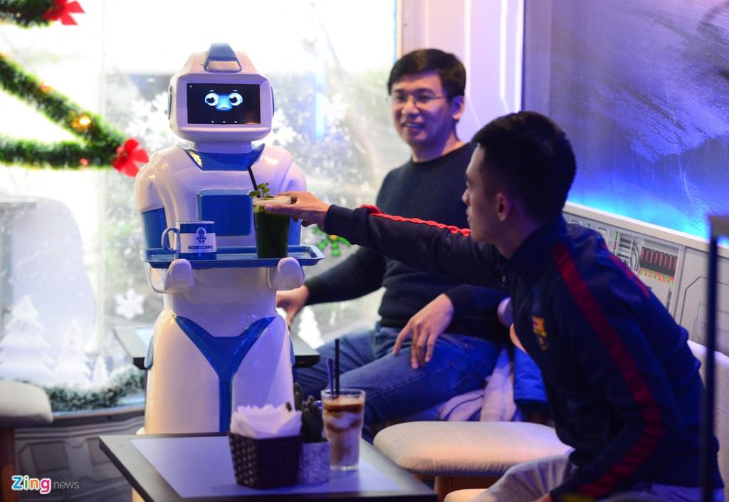 Robot 200 trieu dong thay nhan vien phuc vu o quan ca phe Ha Noi hinh anh 7