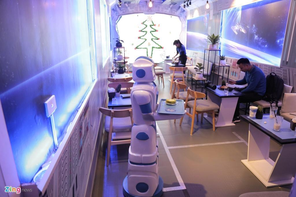 Robot 200 trieu dong thay nhan vien phuc vu o quan ca phe Ha Noi hinh anh 10