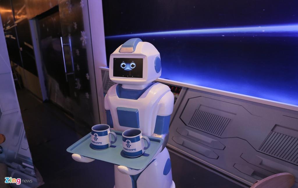 Robot 200 trieu dong thay nhan vien phuc vu o quan ca phe Ha Noi hinh anh 3