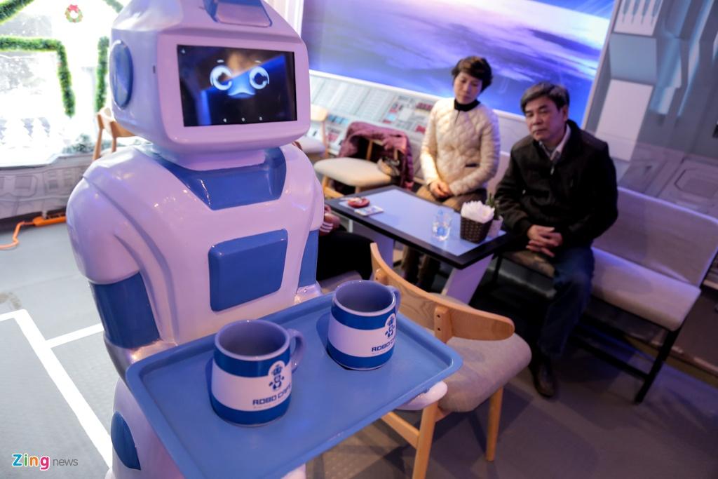 Robot 200 trieu dong thay nhan vien phuc vu o quan ca phe Ha Noi hinh anh 8
