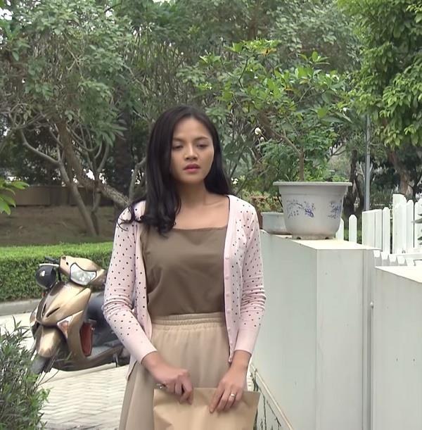 Khong can sexy nhu My Soi, chi Hue van don tim fan voi style diu dang hinh anh 8