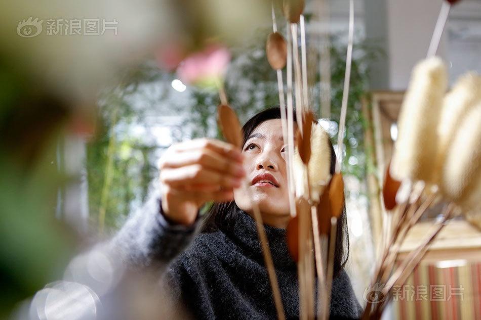 Nghe la o Trung Quoc: Di khap the gioi chi de mua sam hinh anh 11