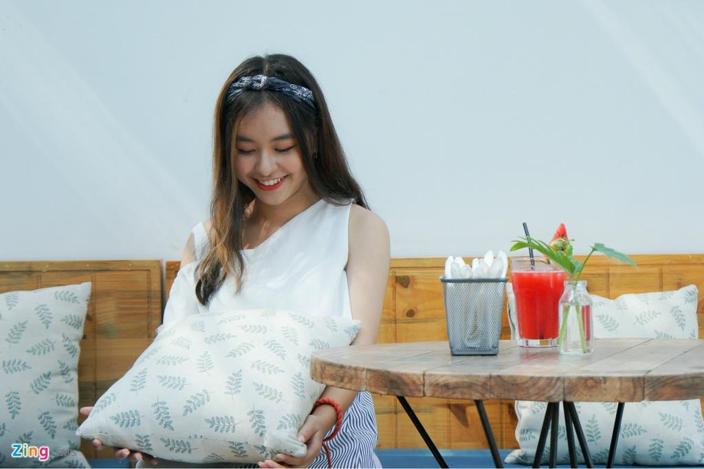 9X xinh dep dong MV cung My Tam, gioi 2 ngoai ngu, rat thich choi game hinh anh 9