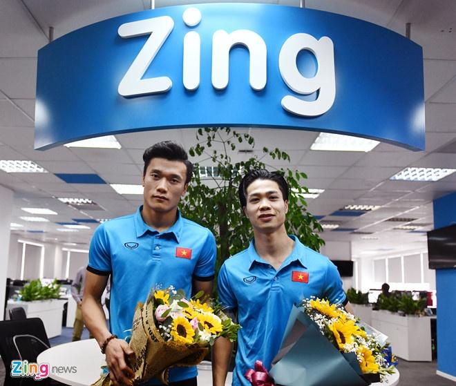 Tien Dung, Cong Phuong: 'Khong the o chung phong du chi mot luc' hinh anh 1