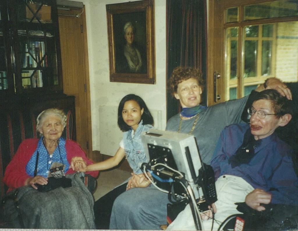 Stephen Hawking anh 5