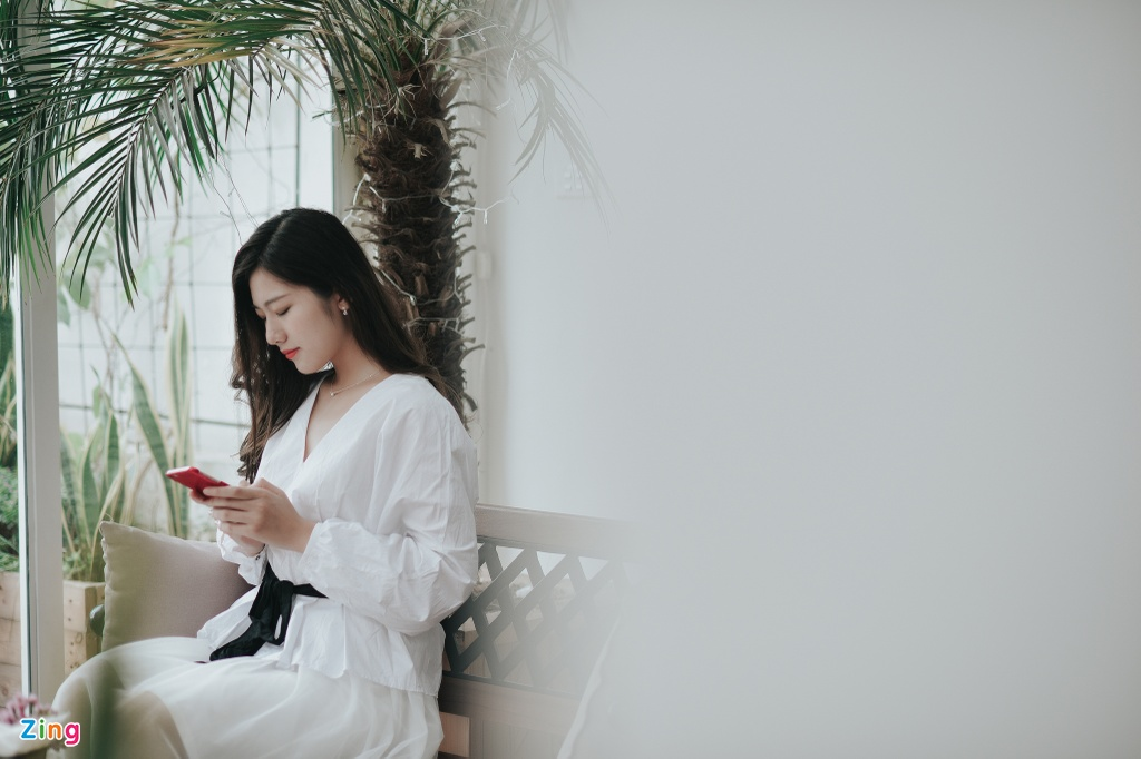 Hoa khoi Bao chi cao 1,75 m: 'Minh tung tap ta cho nguoi thap di' hinh anh 6