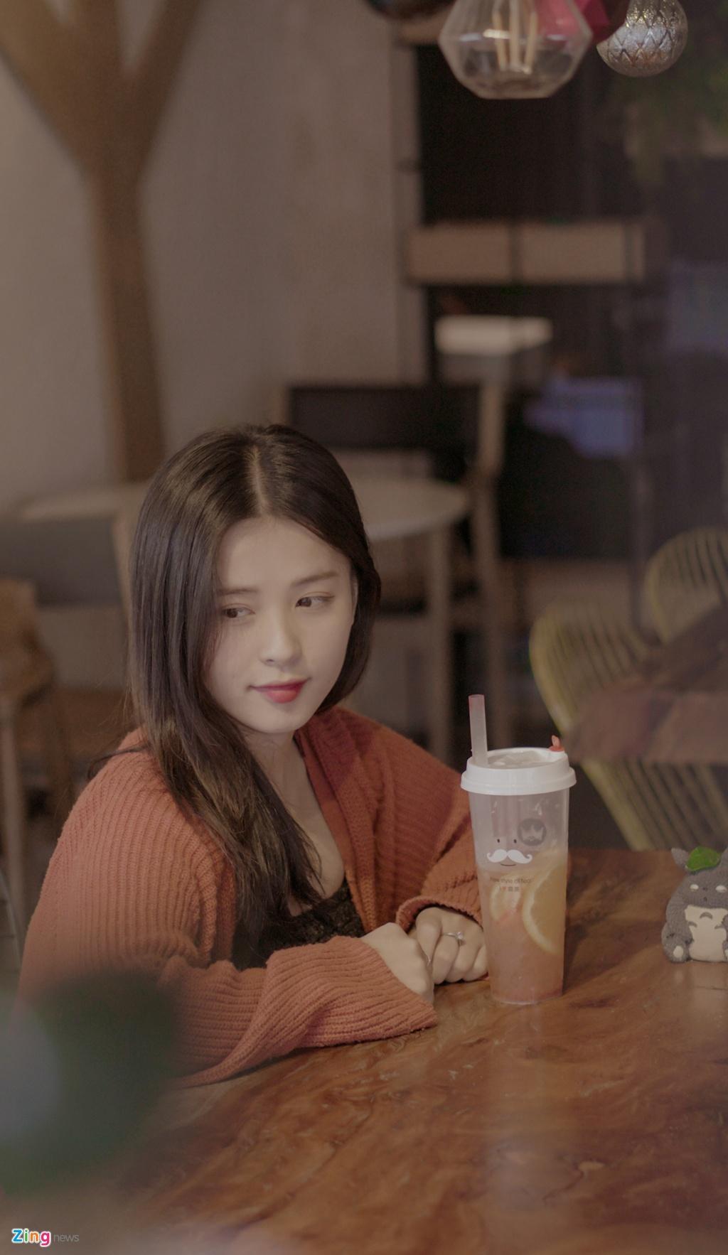 Hot girl Thao Nari lan dau tiet lo ve moi tinh voi cau thu U23 hinh anh 2