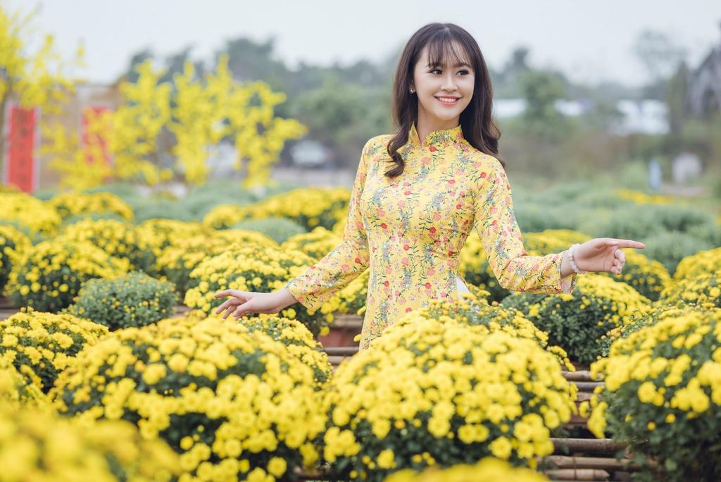 Hoa khoi Imiss Thang Long 2018: Con gai canh sat manh me va duyen dang hinh anh 3