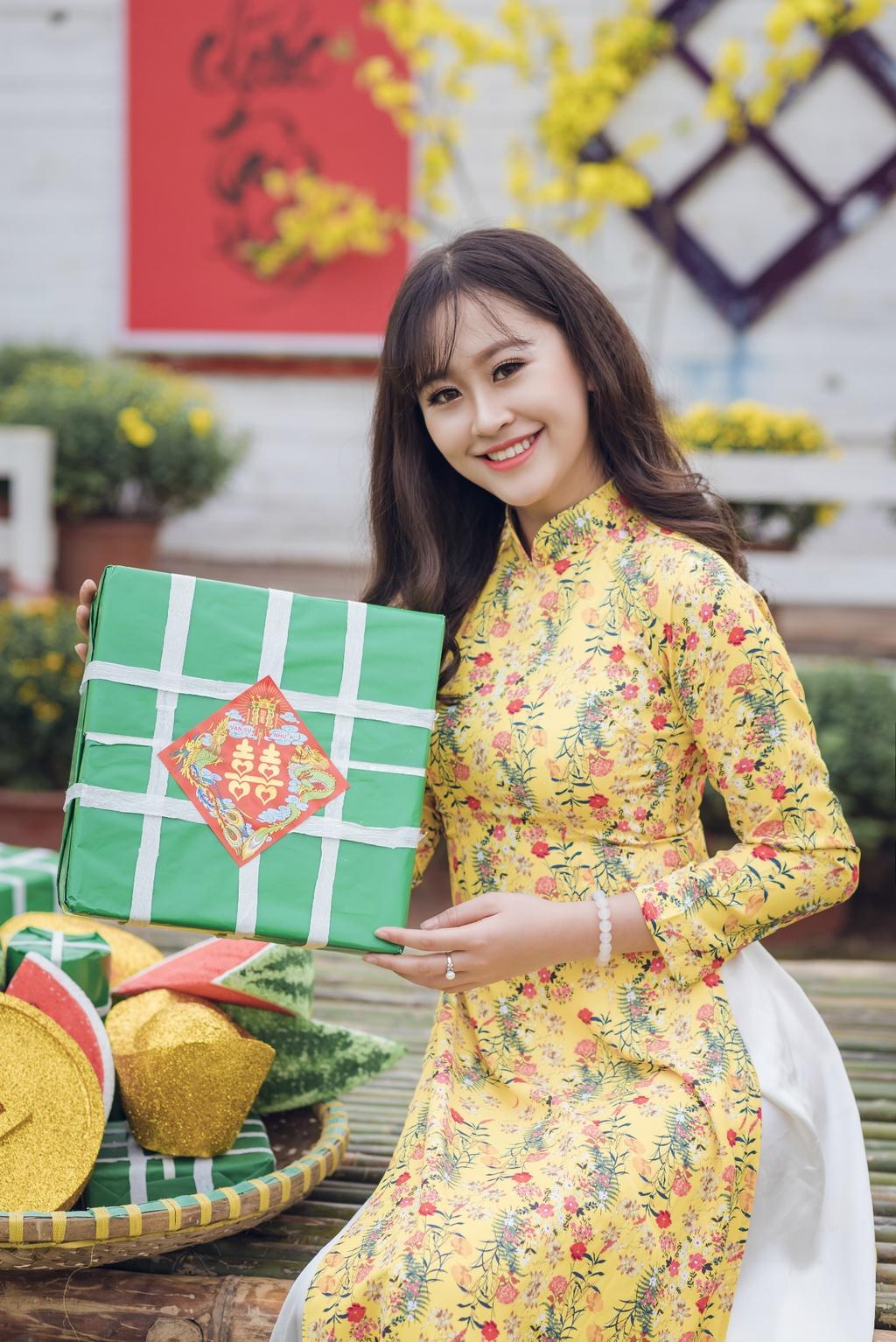 Hoa khoi Imiss Thang Long 2018: Con gai canh sat manh me va duyen dang hinh anh 4