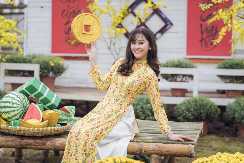 Hoa khoi Imiss Thang Long 2018: Con gai canh sat manh me va duyen dang hinh anh 5