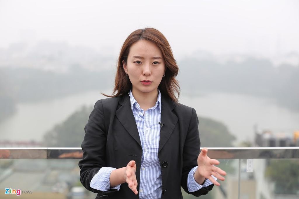 Phong vien xinh dep dai SBS: Banh my va pho o Viet Nam vua ngon vua re hinh anh 4