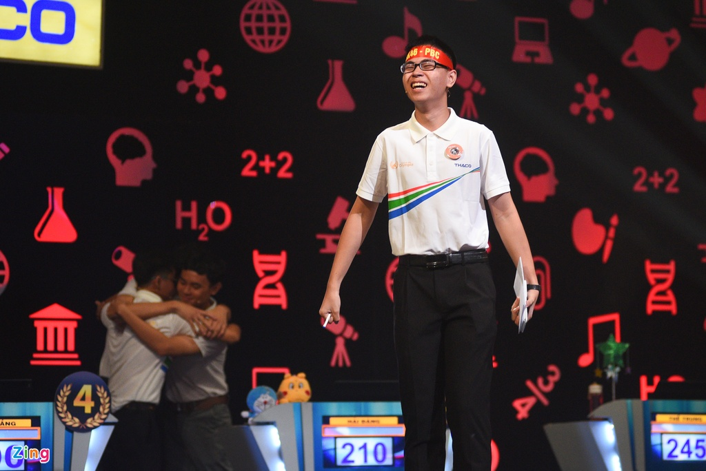 Nhung giot nuoc mat roi trong chung ket 'Duong len dinh Olympia' hinh anh 8