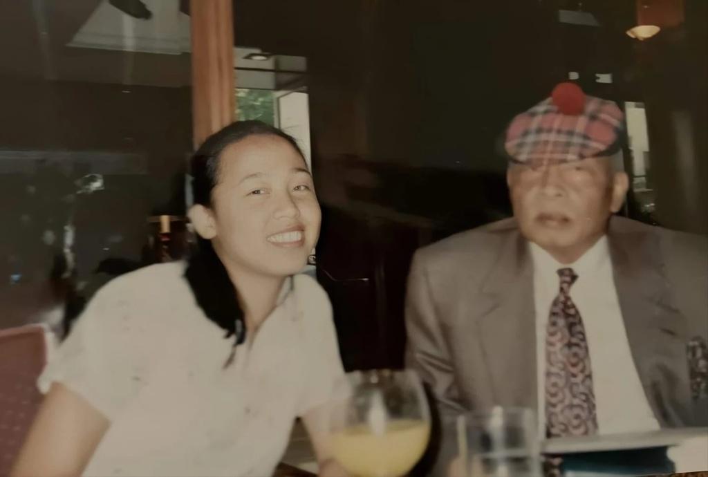 'Nhat ky cong chua' doi thuc - co gai phat hien bo la vua nam 14 tuoi hinh anh 2 2_2.jpg