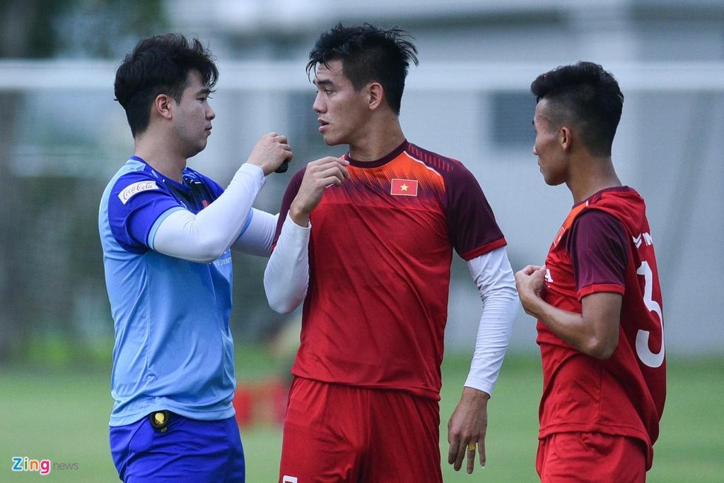 Tien Linh tro lai, bat cap Martin Lo trong buoi tap cua U23 Viet Nam hinh anh 10