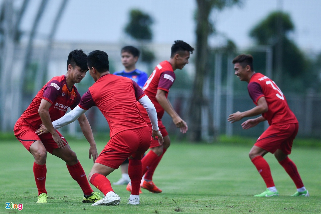Tien Linh tro lai, bat cap Martin Lo trong buoi tap cua U23 Viet Nam hinh anh 4
