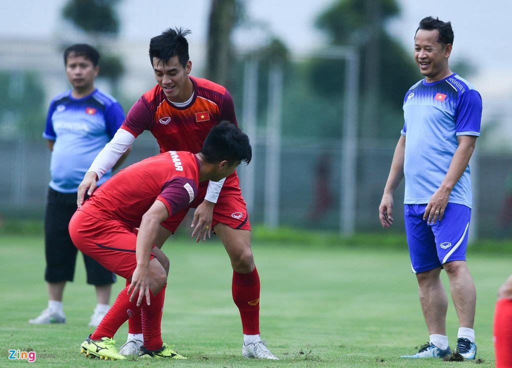 Tien Linh tro lai, bat cap Martin Lo trong buoi tap cua U23 Viet Nam hinh anh 5