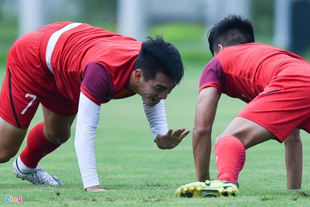 Tien Linh tro lai, bat cap Martin Lo trong buoi tap cua U23 Viet Nam hinh anh 6