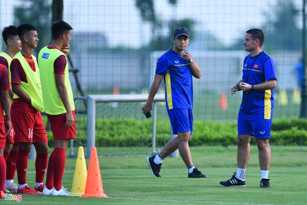 U19 Viet Nam hung khoi tap luyen duoi quyen Philippe Troussier hinh anh 1