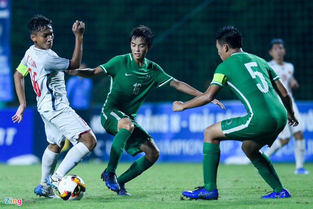 U16 Viet Nam xay chac ngoi dau sau chien thang 6-0 truoc Macao hinh anh 4