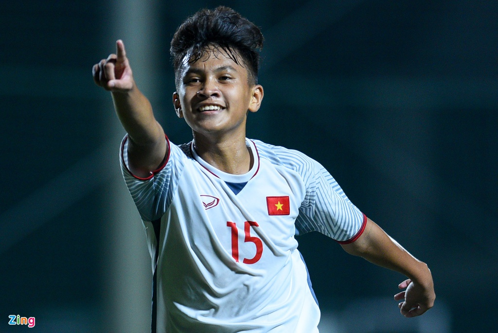 Cau thu U16 Viet Nam guc xuong san sau tran thua Australia hinh anh 4