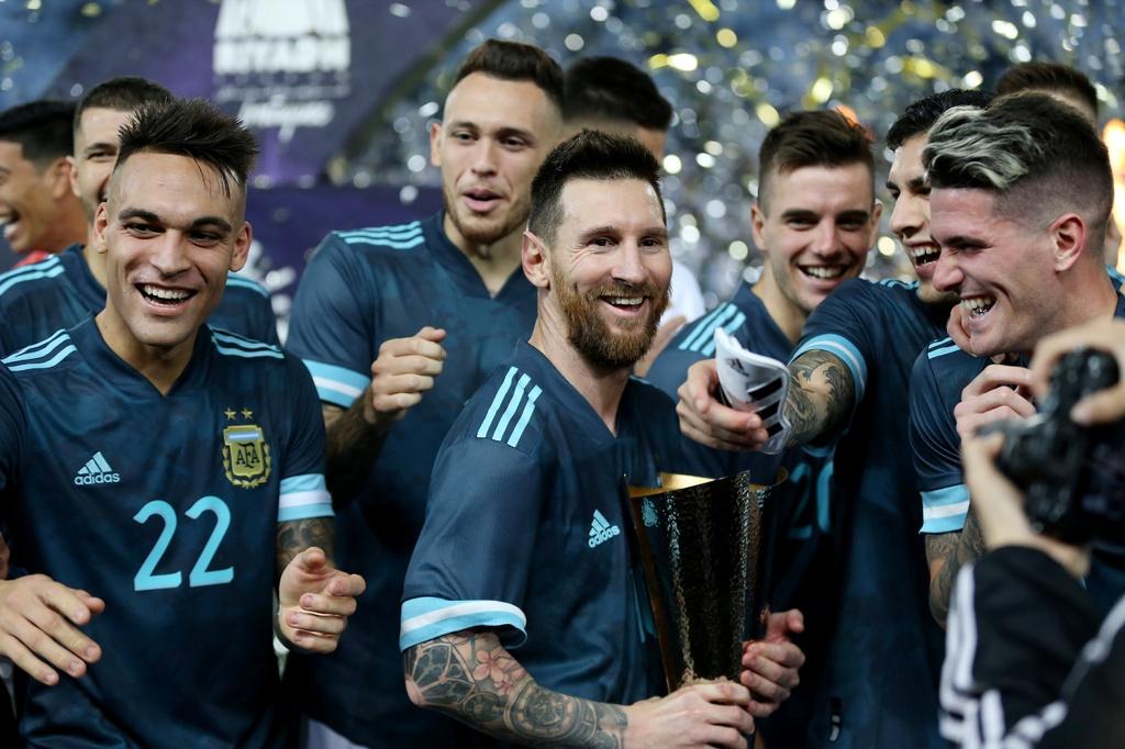 Messi ghi ban sau an treo gio giup Argentina thang Brazil hinh anh 10