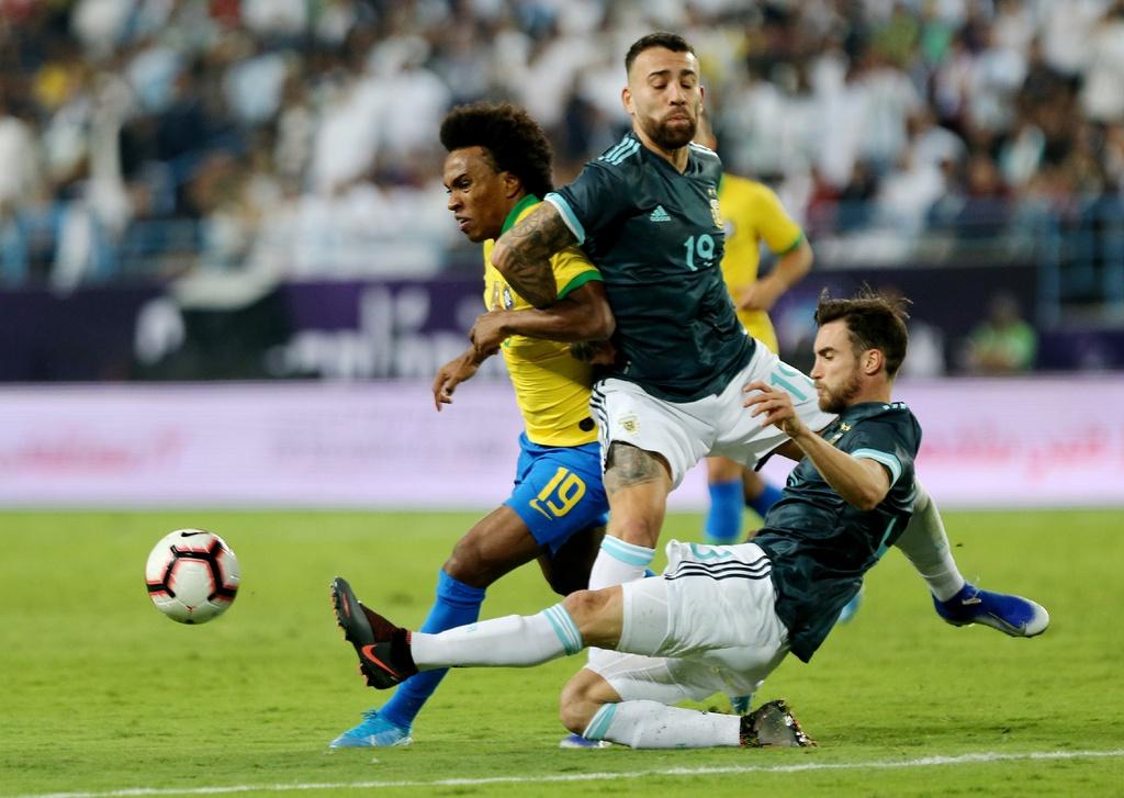 Messi ghi ban sau an treo gio giup Argentina thang Brazil hinh anh 6
