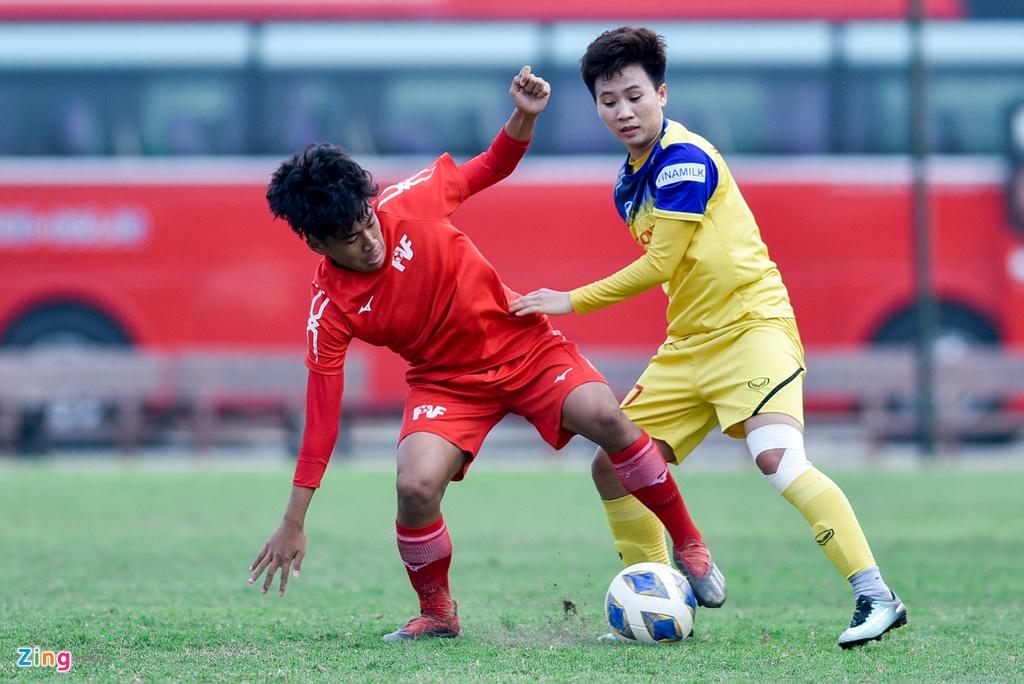 Hoang Thi Loan du bi trong tran tuyen nu Viet Nam thua U15 PVF hinh anh 7
