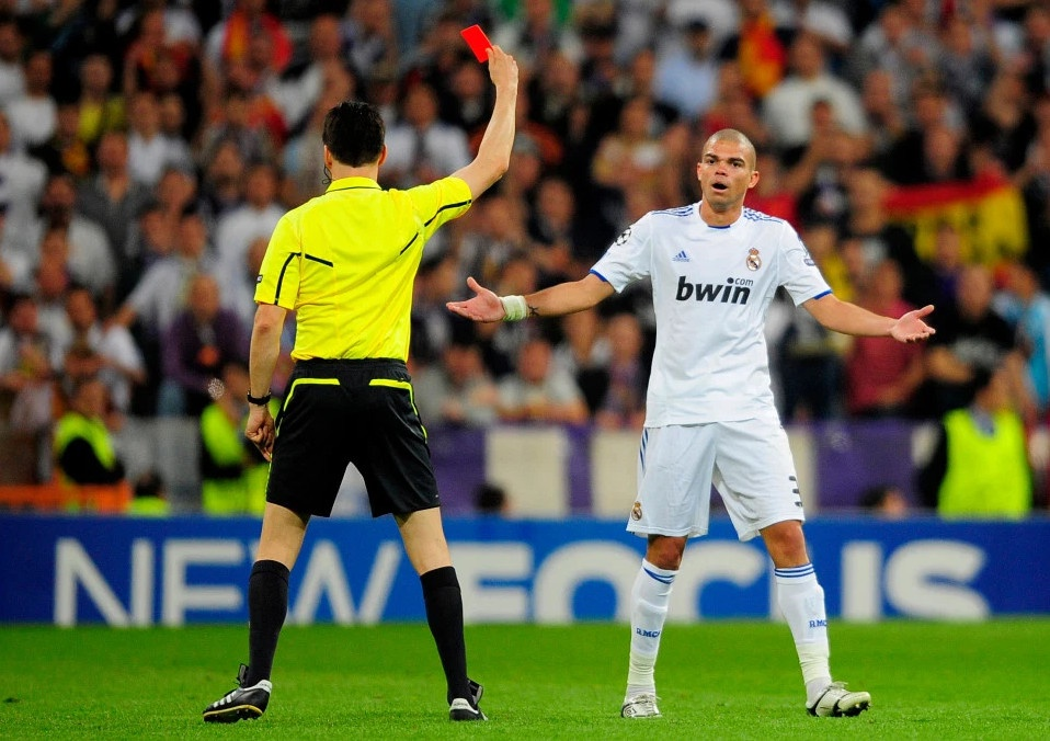 Hanh trinh tu ban den thu cua Jose Mourinho va Pep Guardiola hinh anh 5