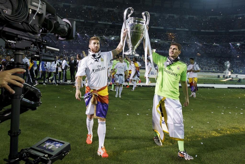 Casillas tranh cu chu tich anh 4