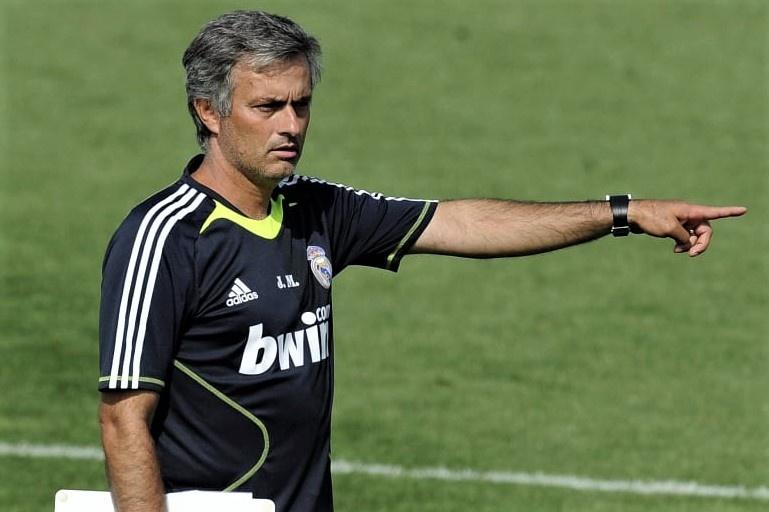 Mourinho bi lam phan anh 2