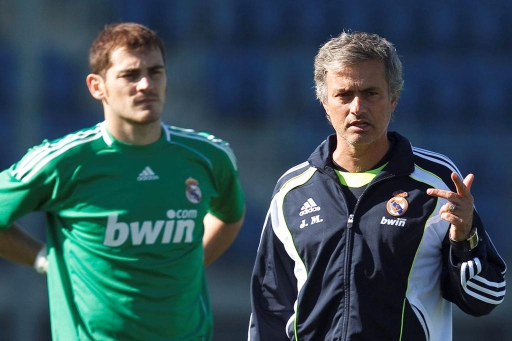 Mourinho bi lam phan anh 1