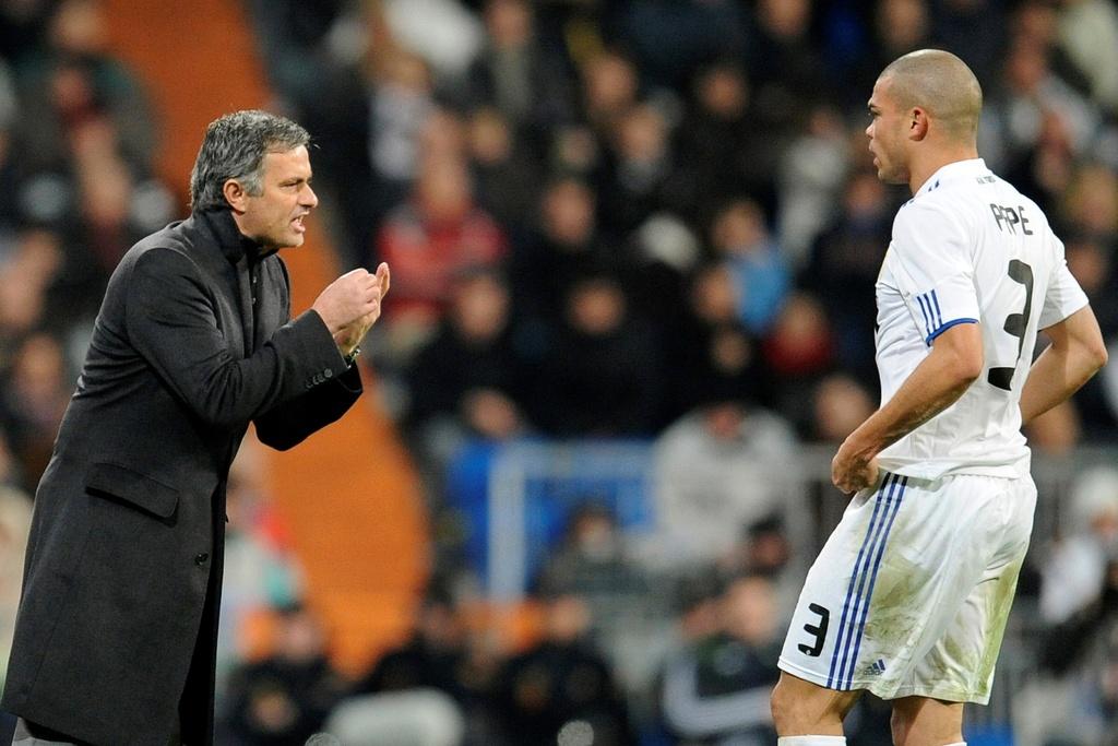 Mourinho bi lam phan anh 3