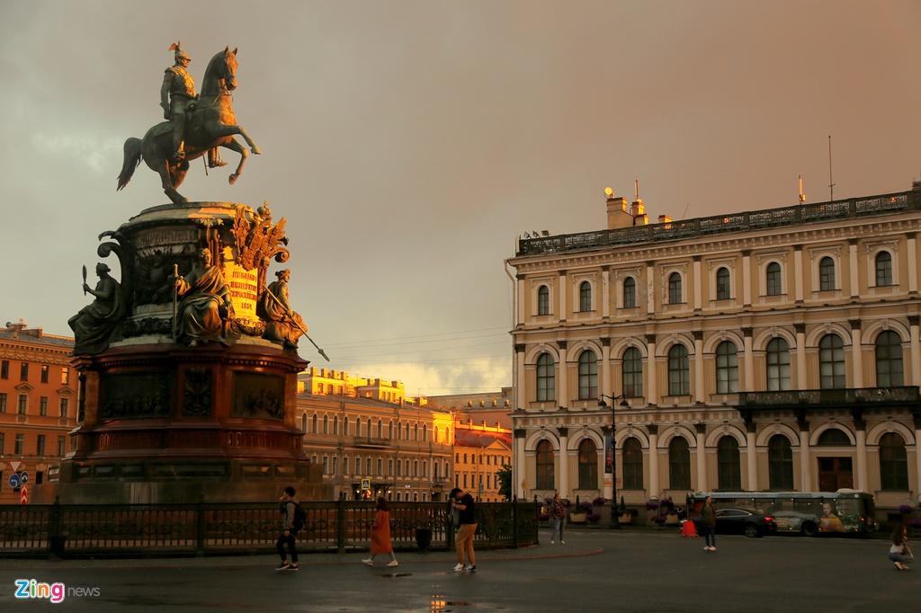 #Mytour: Dem trang va cai lanh thau cua Saint Petersburg mua World Cup hinh anh 13
