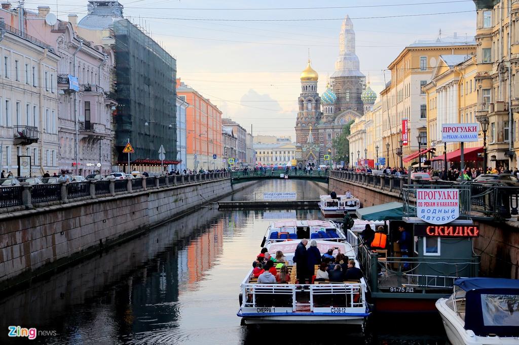 #Mytour: Dem trang va cai lanh thau cua Saint Petersburg mua World Cup hinh anh 22