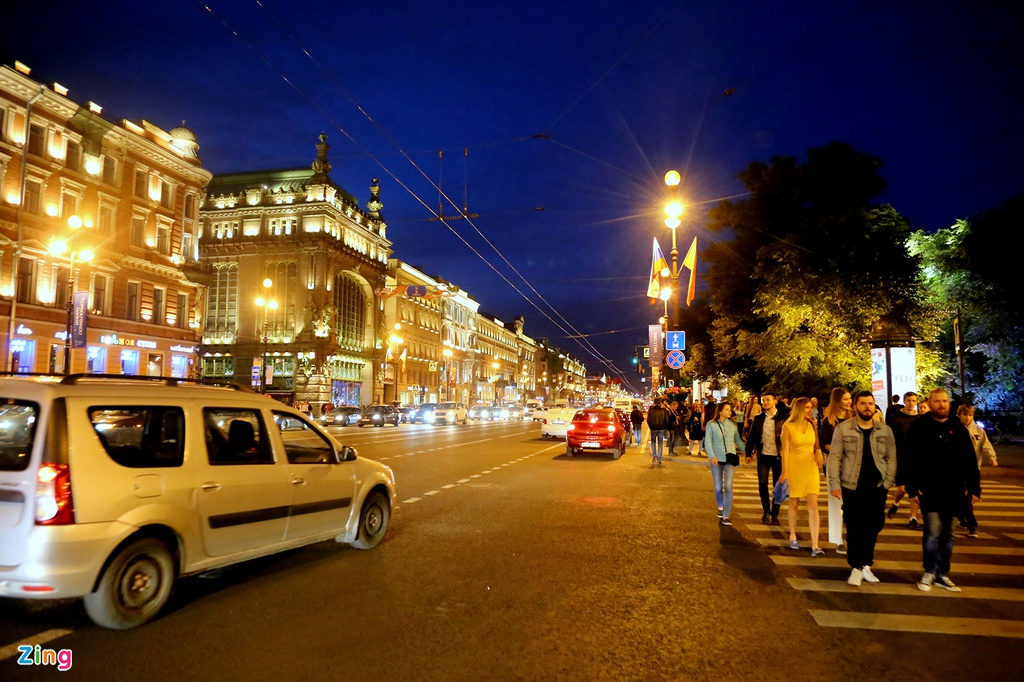 #Mytour: Dem trang va cai lanh thau cua Saint Petersburg mua World Cup hinh anh 8