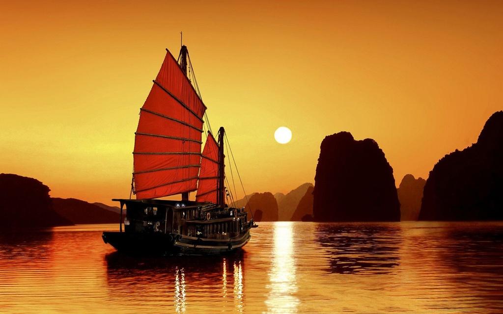 Vinh Ha Long dan dau danh sach diem den hang dau Viet Nam 2018 hinh anh 4