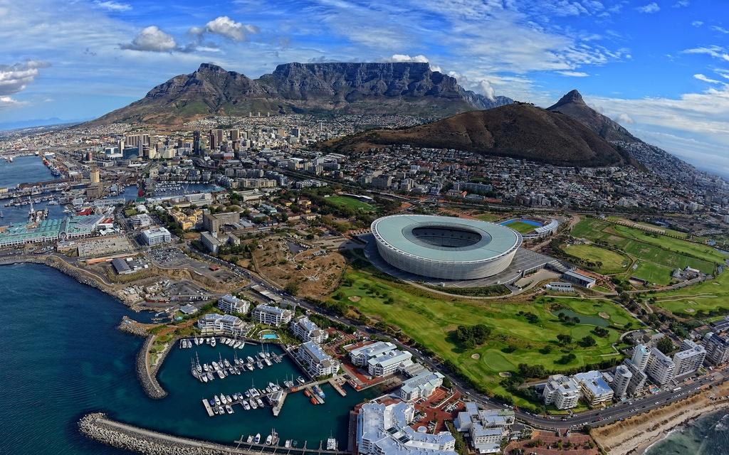 Hanh trinh ngam ca voi xam - vi than may man cua bien ca o Nam Phi hinh anh 2