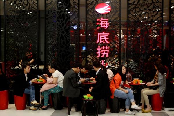Cac nha hang Hong Kong loai lau khoi thuc don vi lo dich corona hinh anh 15 haidilao_China_Daily.jpg