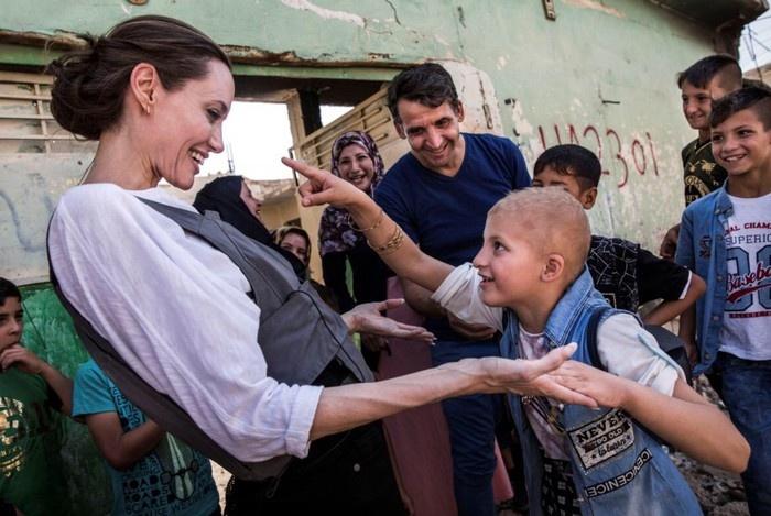 Nhung chuyen di cua Angelina Jolie da thuc tinh chung ta dieu gi? hinh anh 3 2b781130_62fc_4c18_9ea3_b04b7cd02734.jpeg