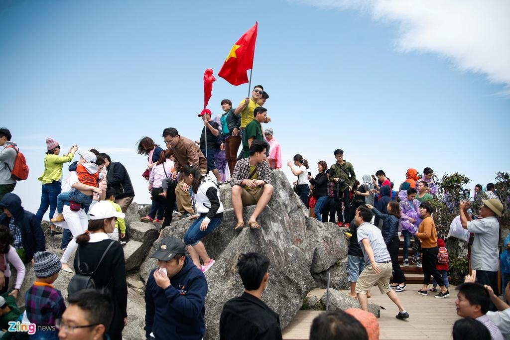 'Chinh phuc' Fansipan khon kho ngay nghi le hinh anh 13