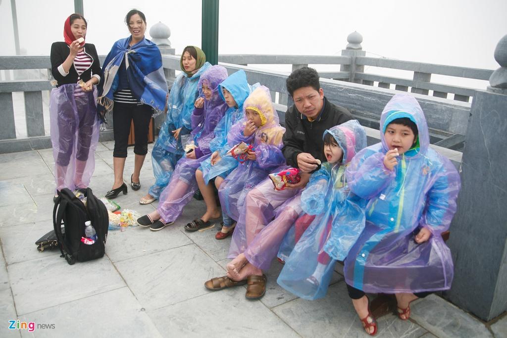 'Chinh phuc' Fansipan khon kho ngay nghi le hinh anh 15