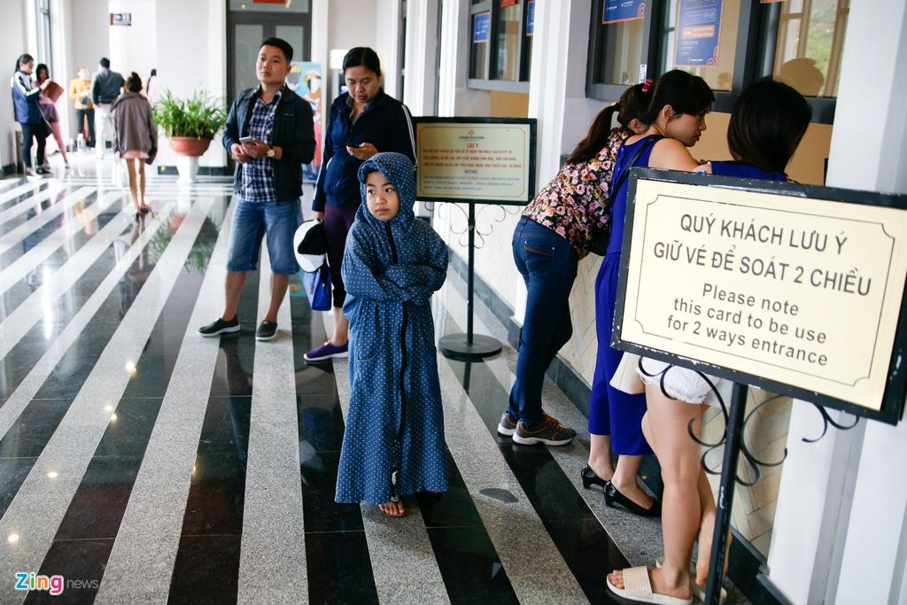 'Chinh phuc' Fansipan khon kho ngay nghi le hinh anh 3