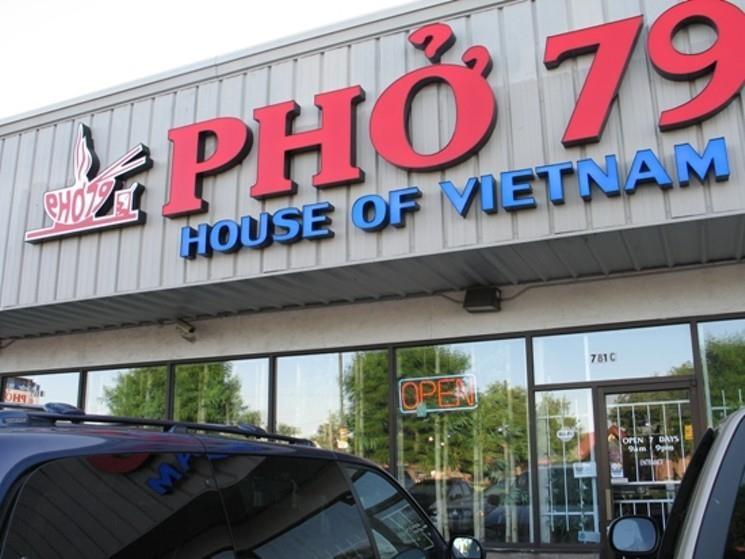 Tu Viet Nam qua cac nuoc, hanh trinh vuon tam the gioi cua pho Viet hinh anh 3