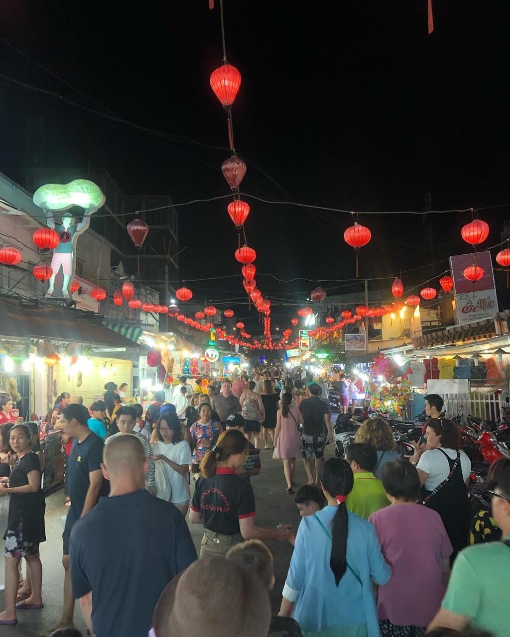 Cho dem Phu Quoc quyen ru moi tin do am thuc dip nghi le hinh anh 2 Chợ đêm Phú Quốc quyến rũ mọi tín đồ ẩm thực dịp nghỉ lễ - anaura2bbi - Chợ đêm Phú Quốc quyến rũ mọi tín đồ ẩm thực dịp nghỉ lễ