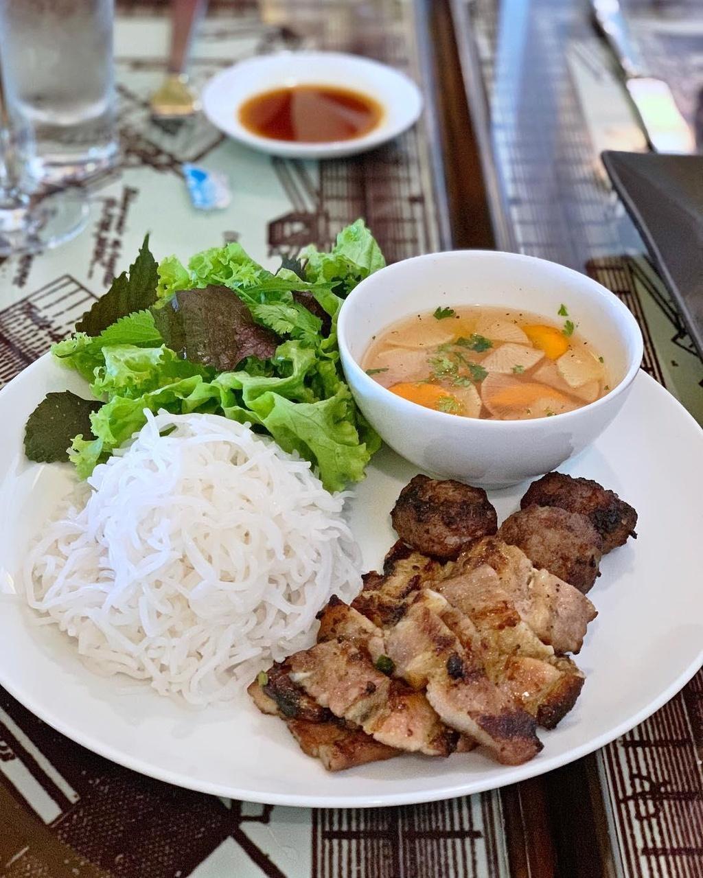 Den Phu Quoc, dung bua kieu 'quy toc' tai 6 nha hang sang chanh hinh anh 7