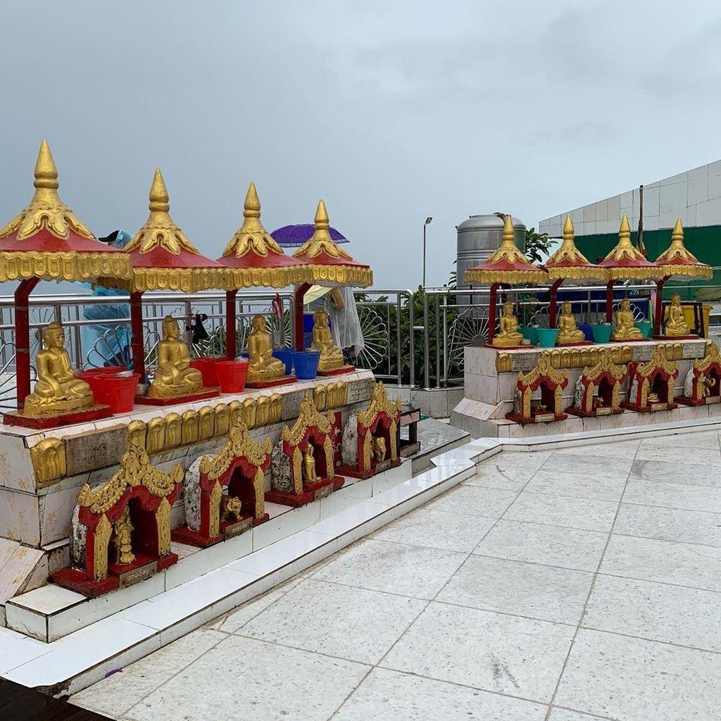 Độc đáo ngôi chùa đứng vững nghìn năm bên mép đá vàng - Ảnh 10