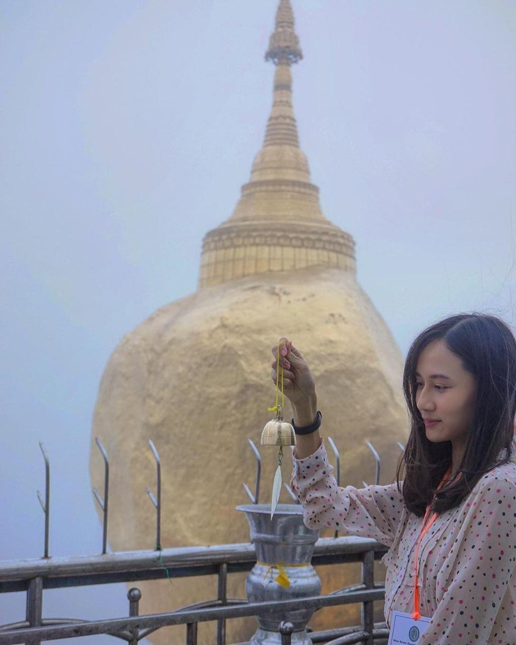 Độc đáo ngôi chùa đứng vững nghìn năm bên mép đá vàng - Ảnh 9