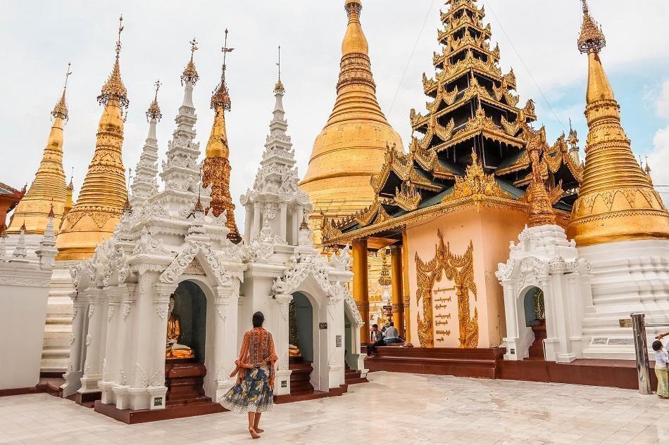 Những ngôi đền, chùa dát vàng, đính kim cương ở Myanmar - Ảnh 1