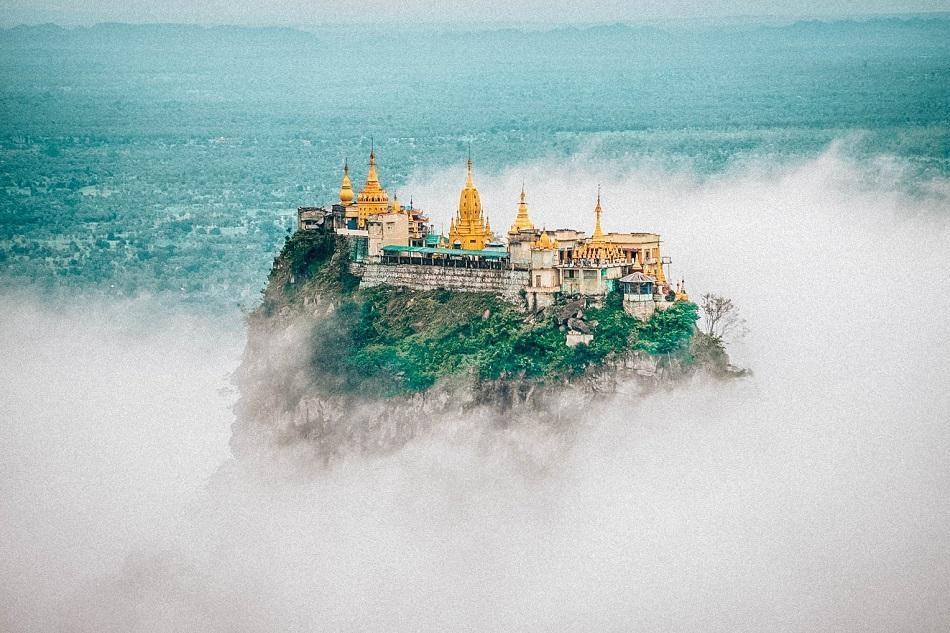 Những ngôi đền, chùa dát vàng, đính kim cương ở Myanmar - Ảnh 6