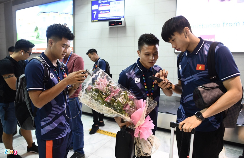 Duc Chinh, Tien Linh va cac cau thu U22 Viet Nam di giay hang nao? hinh anh 10